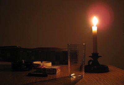 Kerze -- allein
